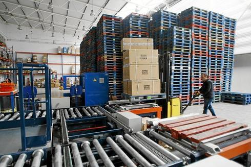 Las instalaciones de una fábrica de calzado en Elche.