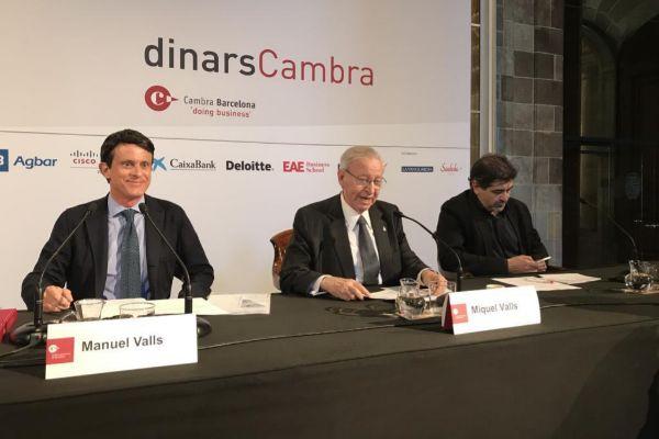 Valls junto a representantes de la Cámara de Comercio