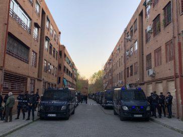 La Policía destina agentes las 24 horas del día a la zona más conflictiva de El Pozo