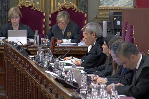 Representantes de Fiscalía, Abogacía y acusación popular en el juicio del 1-O
