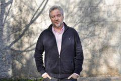 El autor de 'La buena suerte' y 'coach' superventas, fotografiado en Barcelona.