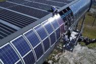 Paneles solares de la estación.