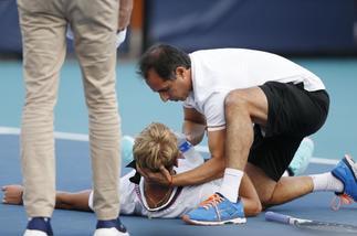 Kuhn, promesa del tenis español, se desploma en el torneo de Miami