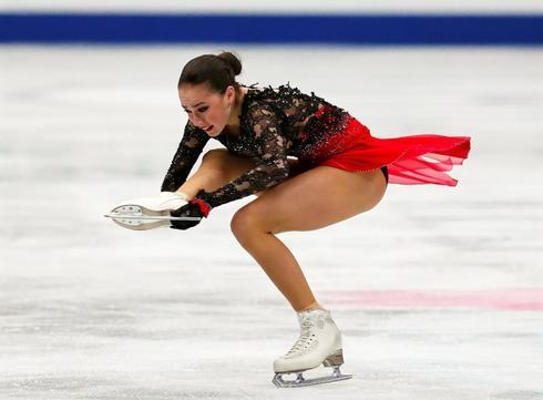 Alina Zagitova, durante su ejercicio en Saitama.
