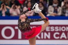 La rusa Zagitova logra la triple corona con 16 años