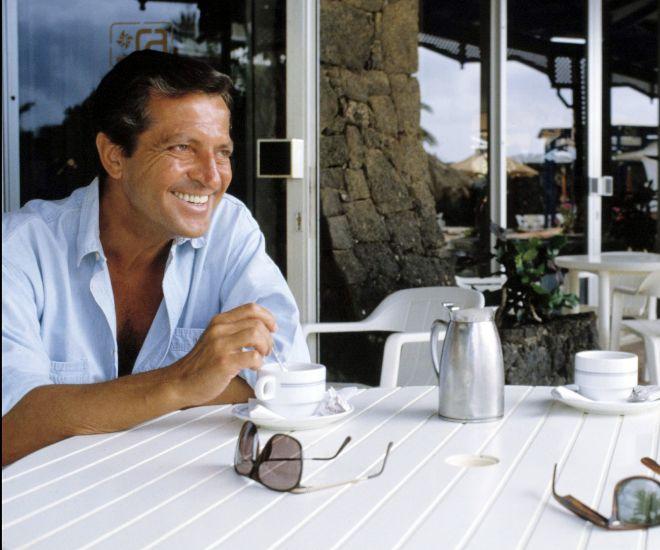 Adolfo Suarez durante unas vacaciones
