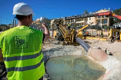 Obras de soterramiento de los extremos del cable Mallorca-Menorca en la zona de Cala Mesquida.