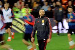 GRAFCVA3273. <HIT>VALENCIA</HIT>.- La selección española de fútbol preparan el primer partido del Grupo F ante <HIT>Noruega</HIT>, de la ronda clasificatoria para la Eurocopa de 2020, que disputarán este sábado en <HIT>Valencia</HIT>. En la imagen el seleccionador español, Luis Enrique, sigue el entrenamiento este viernes en el campo de Mestalla.
