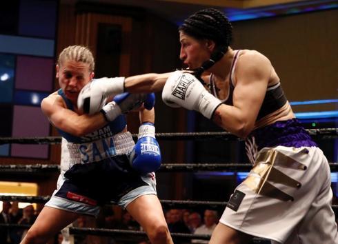 Miriam Gutiérrez, en acción contra Samantha Smith, en Torrelodones.