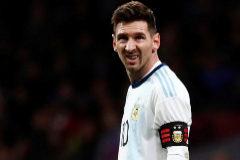 Messi recae de su lesión tras la debacle de su regreso con Argentina