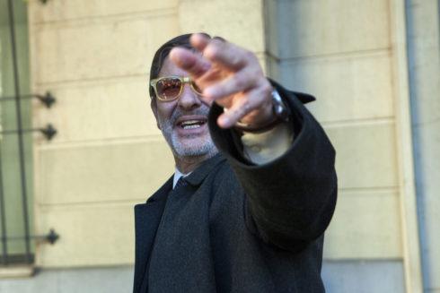 Guerrero, saliendo de la Audiencia de Sevilla.