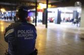Un policía municipal, en las calles de Madrid.