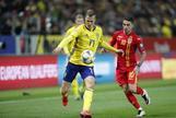 Suecia cumple sin alardes