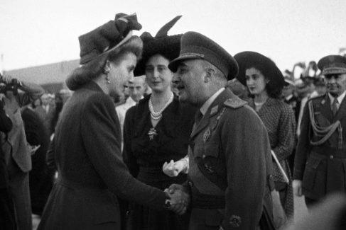 Carmen Polo y los 18 días que compitió contra Evita Perón