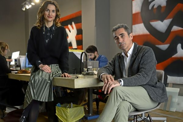 Paloma Hernaiz y Jaime Oliver en su estudio de arquitectura Ohlab.