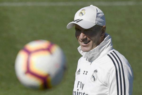 Zinedine Zidane, durante un entrenamiento del Real Madrid.