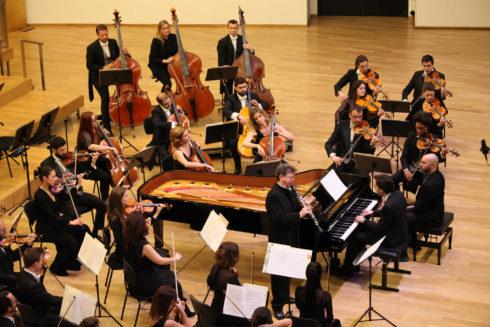 Un momento de la actuación de la orquesta ADDA Simfònica.