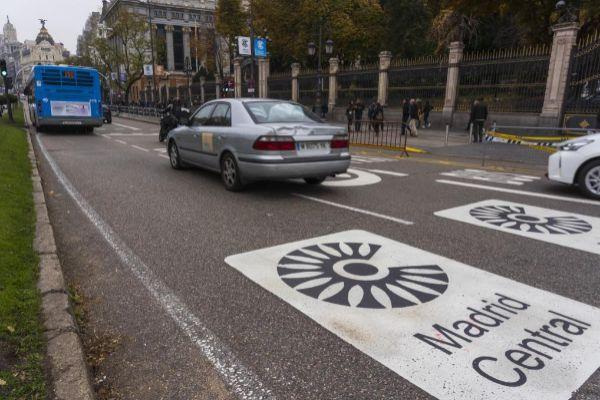 Acceso a Madrid Central por la calle de Alcalá.