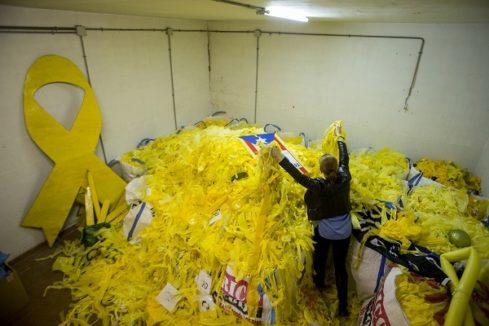 La nave secreta con 10 millones de lazos amarillos