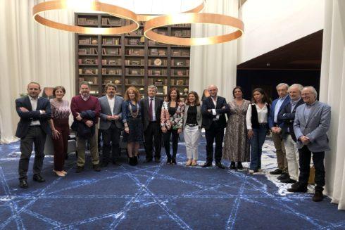 Foto de familia de los participantes en la quinta edición de las jornadas de Estepona.