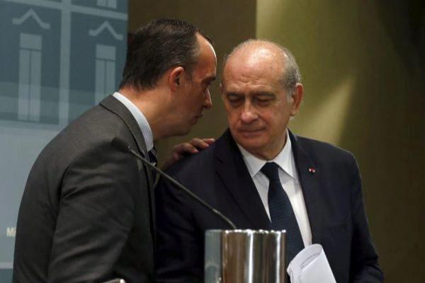 El ex secretario de Estado de Seguridad Francisco Martínez y el ex ministro del Interior Jorge Fernández, en 2015, cuando ejercían esos cargos.