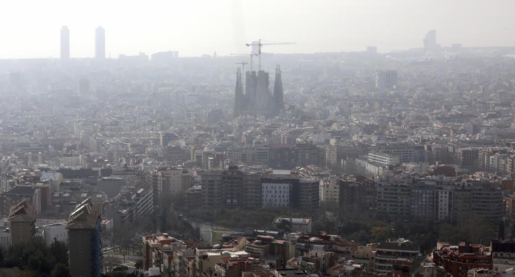 Nube de contaminación sobre Barcelona a primeros de marzo.