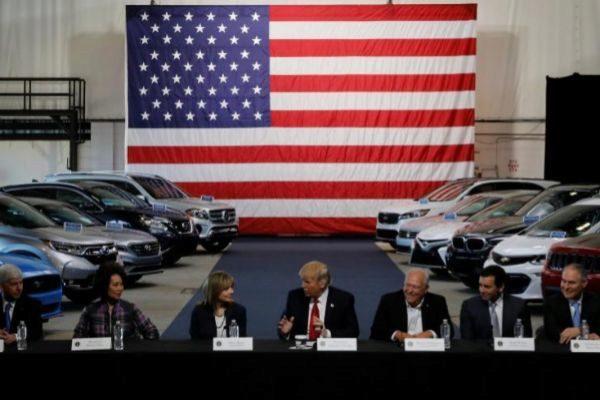 Ford invierte 900 millones en EEUU pero traslada producción a México