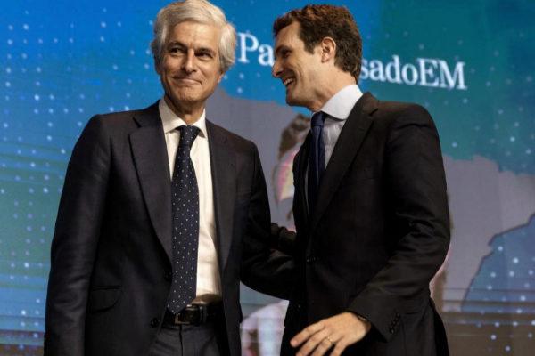 Adolfo Suárez Illana y Pablo Casado, en el foro de EL MUNDO.