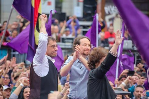 Pablo Iglesias y Juan Carlos Monedero, en el regreso del líder de Podemos.