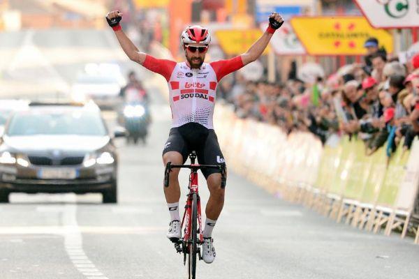 Thomas De <HIT>Gendt</HIT> celebra el triunfo en la primera etapa de la Volta.