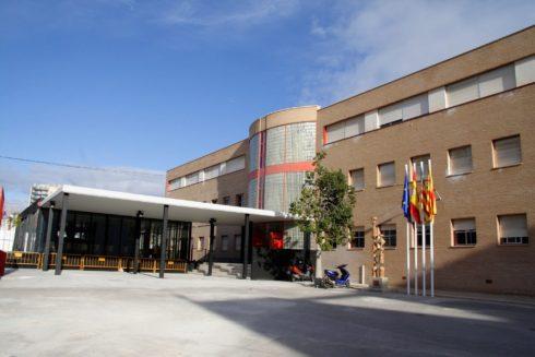 Fachada del IES Clot de l'Illot, en El Campello