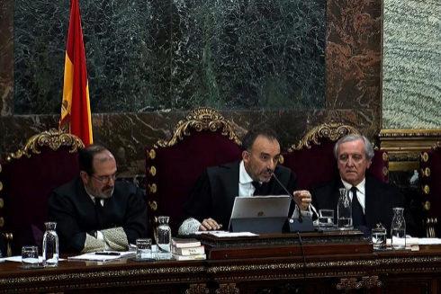 El tribunal del 1-O, durante la sesión del juicio de este lunes