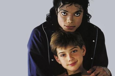 Michael Jackson y James Safechuck.