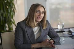 La consejera Marifrán Carazo, en su despacho, durante la entrevista con EL MUNDO.