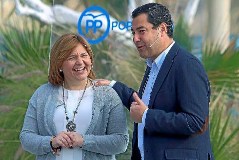 La presidenta regional del PP, Isabel Bonig, junto al presidente de la Junta, Juanma Moreno Bonilla.