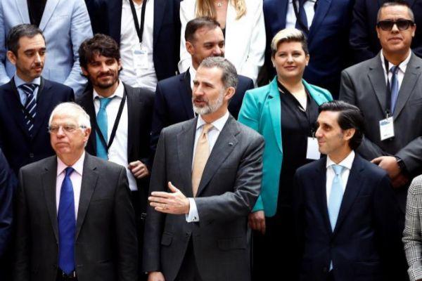 El Rey Felipe VI preside un encuentro con emprendedores en Buenos Aires junto al presidente de Telefónica, José María Álvarez-Pallete.