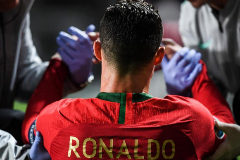 Cristiano Ronaldo, nada más lesionarse este lunes en Lisboa.