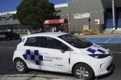 Un coche de la empresa con el logo del Ayuntamiento, visto en Villalba.