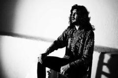 El cantaor manchego Israel Fernández promociona su gira 'Universo Pastora'.