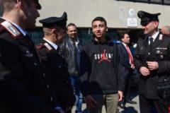 """Matteo Salvini concede la nacionalidad al niño """"héroe"""" del autobús de Milán"""