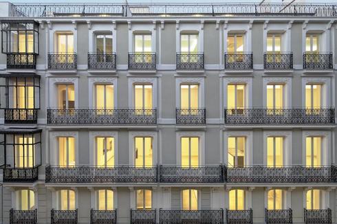 Un edificio de viviendas rehabilitado en Madrid.