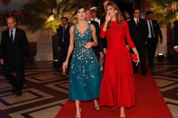 Duelo de estilo entre la Reina y Juliana Awada en Argentina