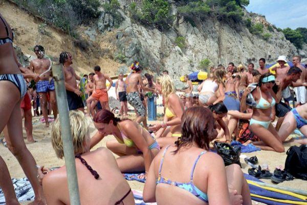 Fiesta en la playa de Lloret de Mar.