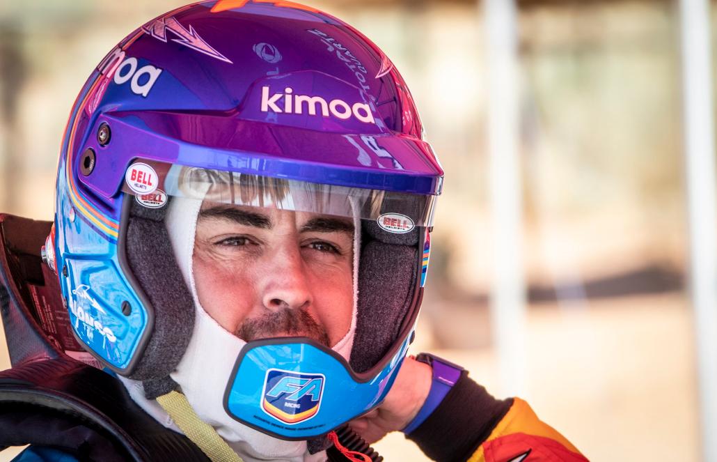 Fernando Alonso, en el Toyota que usará en el Dakar.