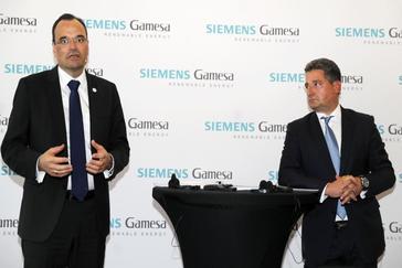 Markus Tacke, consejero delegado, y Miguel Ángel López, presidente, de Siemens Gamesa
