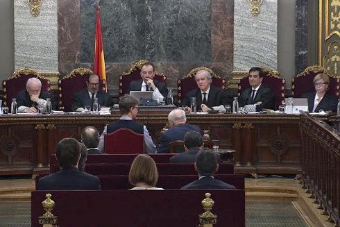 El tribunal del juicio del 1-O, durante la sesión