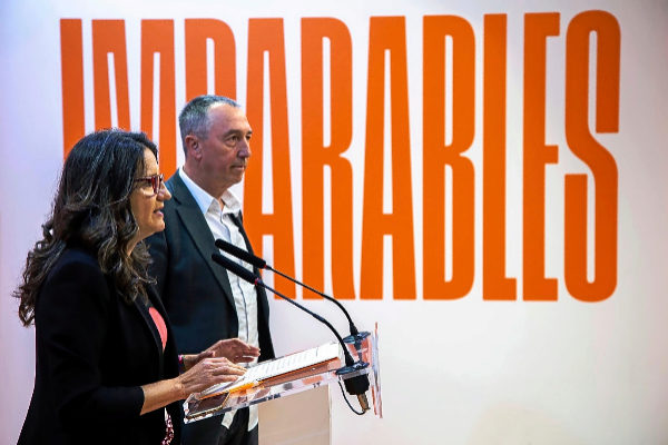 La candidata de Compromís a la Generalitat, Mónica Oltra, junto con el aspirante al Congreso, Joan Baldoví.