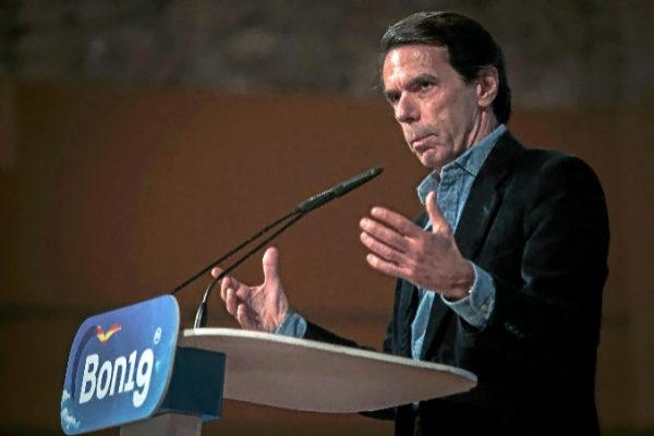 El ex presidente del Gobierno José María Aznar, ayer en Valencia.