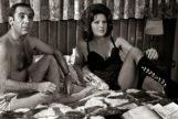 Alfredo Landa y Esperanza Roy en un fotograma de 'Los novios de mi mujer'.