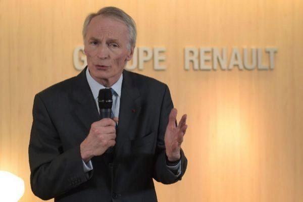El mercado especula con una posible alianza de Renault, Nissan y FCA